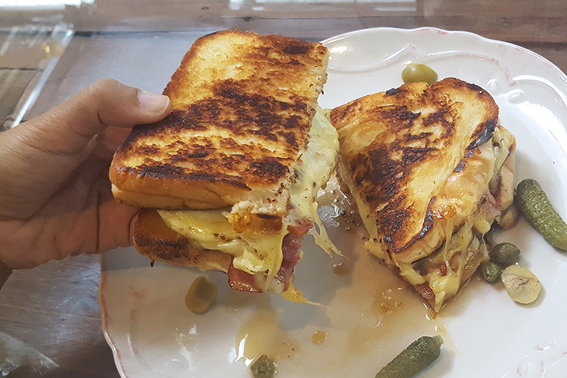 sundays_grilled-cheese