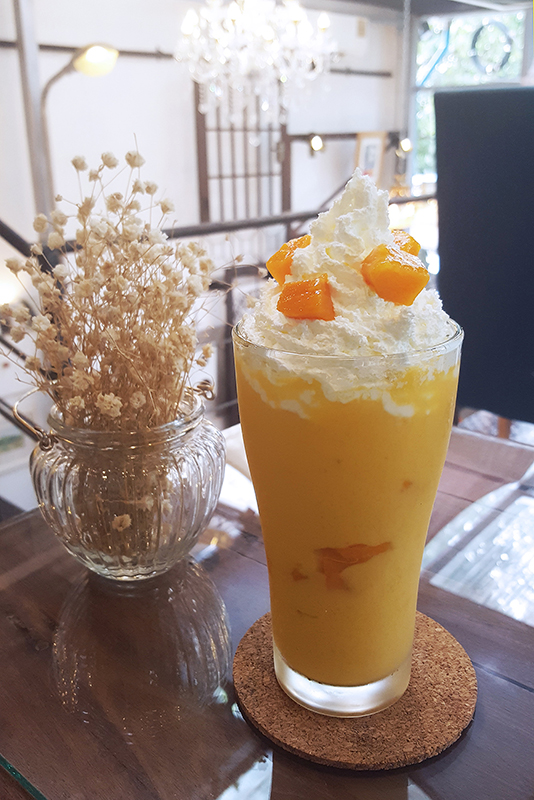 sundays_mango